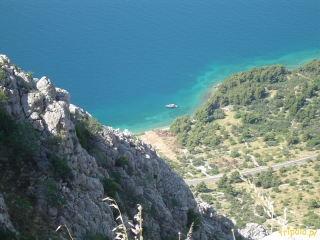 Droga z Dalmacji do granicy Bośni i Hercegowiny wiedzie poprzez  Masyw Biokowo