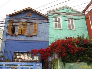 Chile, Valparaiso - kolorowe domki na wzgórzach