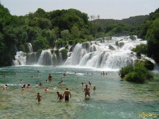 Na wodospadach Krka można się kąpać!