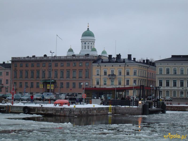 Widok na Helsinki od strony Zatoki Fińskiej.