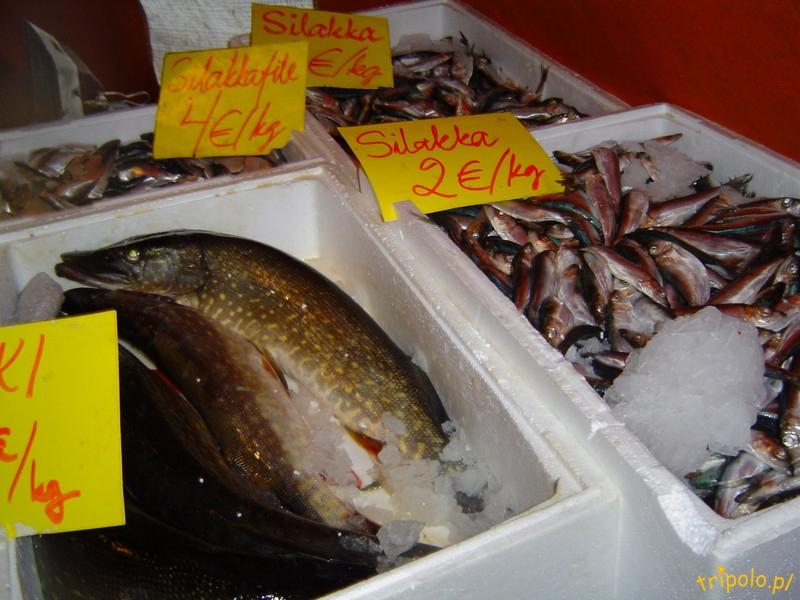 Targ rybny w Helsinkach