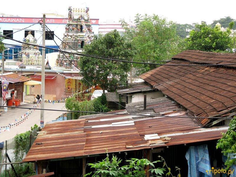 Okolice szklanej hinduskiej świątyni