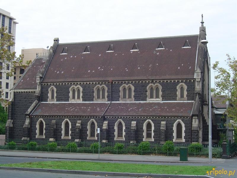 Kościółek obok katedry w Melbourne