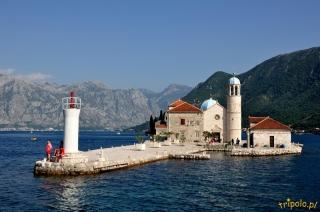 Boka Kotorska - Wyspa z kościołem Matki Boskiej na Skale