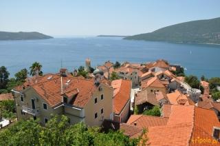 Herceg Novi - widok z twierdzy na miasto i Bokę Kotorską