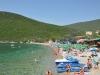 Plaża Żanjice jest kamienista ale woda jest tu bardzo czysta