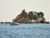 Czarnogóra, Petrovac - widok na skalne wysepki