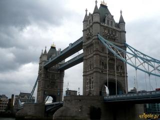 Londyn, słynny londyński most Tower Bridge