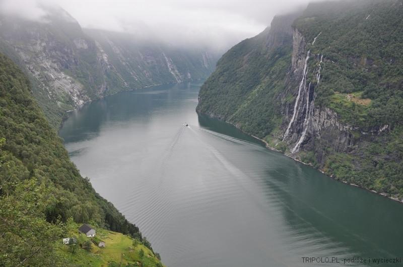 Geirangerfjord - widok na fiord i farmę Skagefla