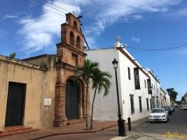 Kaplica Capilla Nuestra Señora de los Remedios przy ulicy Calle Las Damas.