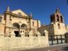 Catedral de Santa María la Menor. W pierwszym założonym w Nowym Świecie mieście znajduje się też pierwsza katolicka kadedra jaka została wzniesiona na zachodniej półkuli. Budowę katedry w stylu gotycko-barokowym rozpoczęto na zlecenie papieża Juliusza II w 1512 roku a konsekrowano ją w 1541 roku.