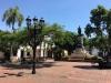Plac przy ulicy Calle Padre Billini naprzeciw Convento de los Dominicos.