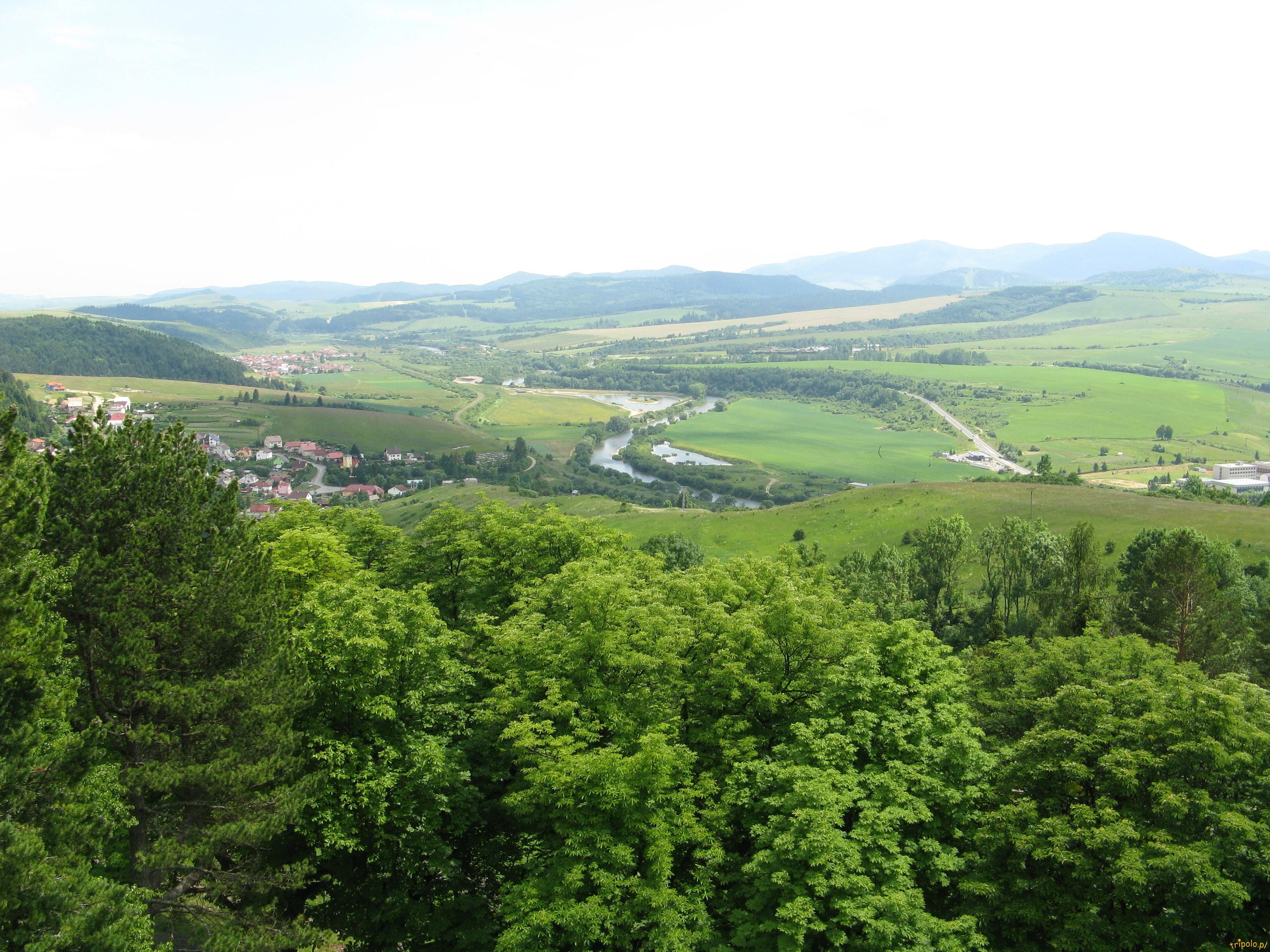 Widok z zamku na dolinki
