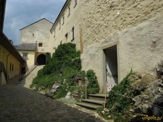 Zamek Krasna Horka-dziedziniec
