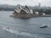 Opera w Sydney widziana z mostu Harbour Bridge
