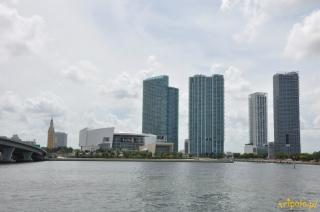 USA, Miami - widok na miasto od strony wody