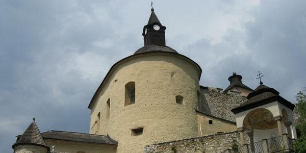 Słowacja – Zamek Krásna Hôrka i Dolina Zadielska – WYCIECZKA