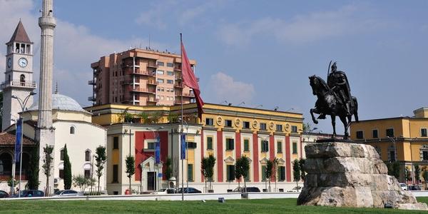 Albania – nieznany zakątek Europy. Tirana, Szkodra i Durres – WYCIECZKA objazdowa do Albanii z Czarnogóry.
