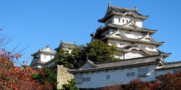 Japonia, zamek Himeji-jo. WYCIECZKA do średniowiecznego zamku z czasów samurajów.