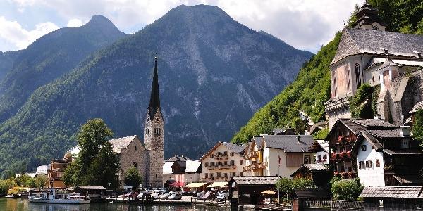 Austria, Hallstatt – WYCIECZKA po niezwykle urokliwym miasteczku położonym nad jeziorem w Alpach Salzburskich