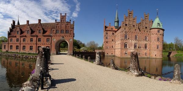 Dania – WYCIECZKA po wyspie Fionia i do zamku Egeskov niedaleko Odense